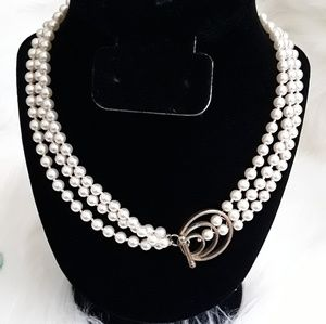 GORGEOUS MULTI STRANDS PEARL NECKLACE